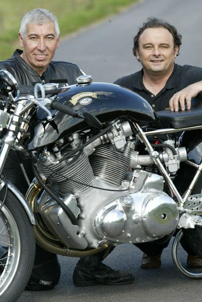 Patrick Godet (right) and Hubert Rigal (left) squatting behind the first 1330 Cafe Racer. Patrick did a great job to deliver a 99 HP (rear wheel) spec which can both work on the road and on track.