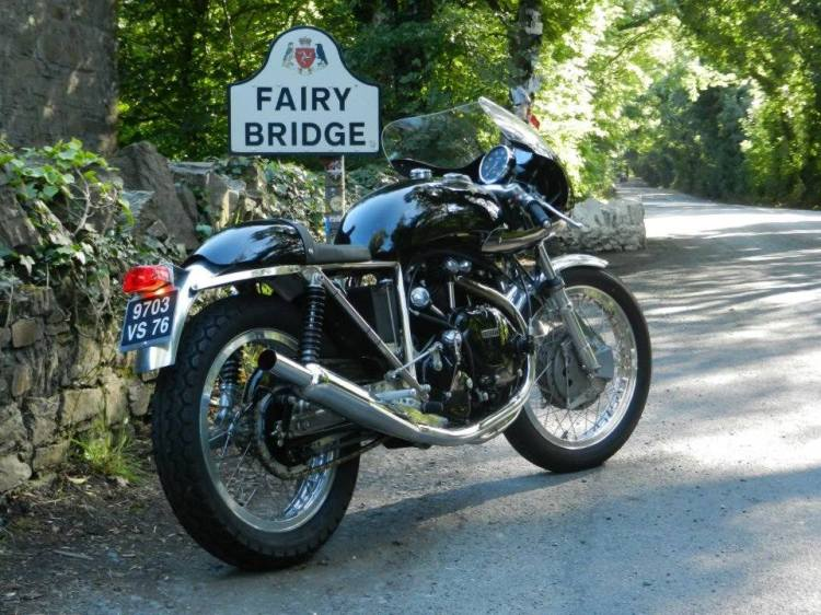 Godet 998 Cafe Racer with the half fairing