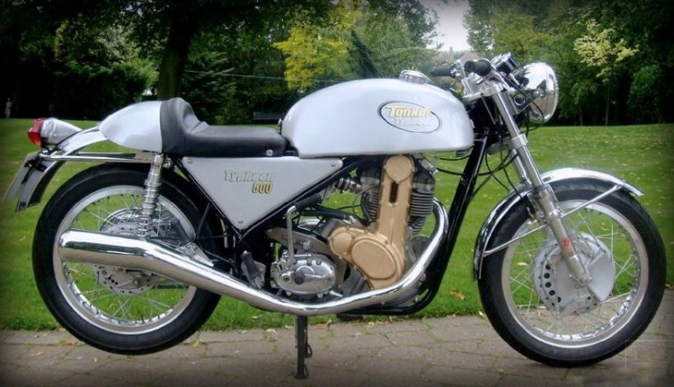 Recreation: Tonkin Typhoon with 500 or 600 cc G50 engine in a Seeley Mk3 Replica rolling frame.