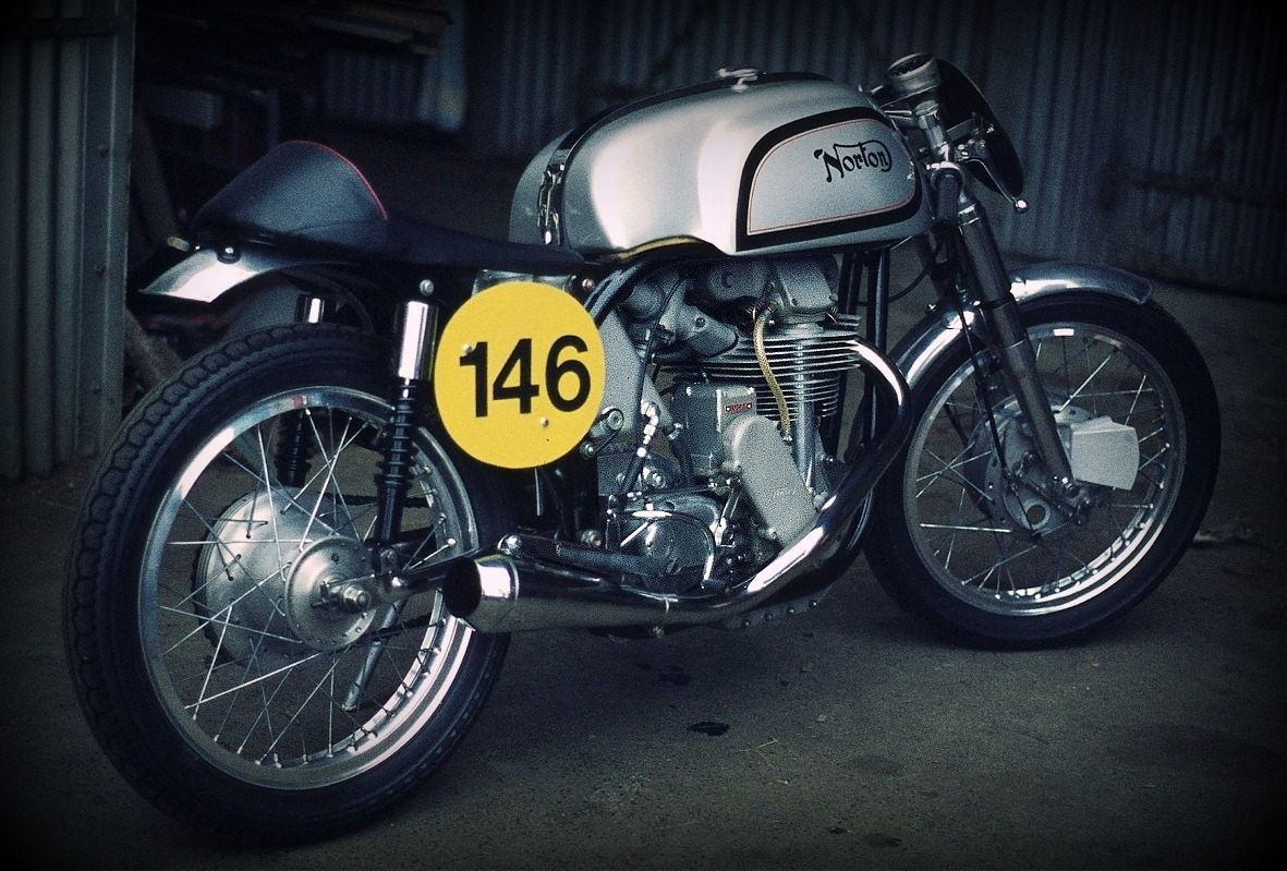 Variations on a Featherbed – The Egli-Vincent