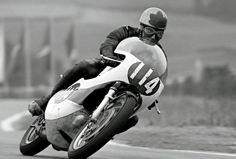 15.For 1967, Bill Ivy joined Phil Read, replacing Mike Duff as Yamaha works rider. He promptly won the 125cc championship that year. Active racing:1962 - 1963, 1965 - 1969 Teams: Jawa and Yamaha  Won 1 Championship 125cc   1967
