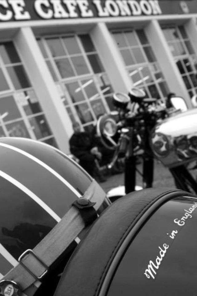Today the Ace Cafe has a very full calendar. If you are interested somewhat in motorcycles or cars, you will find an event for you.