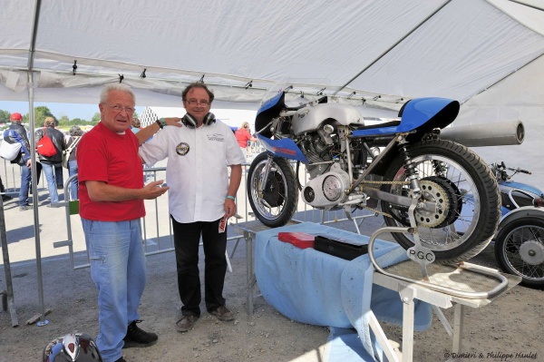 Fritz Egli and Patrick Godet in front of new Patrick's Racer, the Egli 500 Comet. This picture was taken during the Chimay Classic Grand Prix in July 2013. © Philippe Haulet