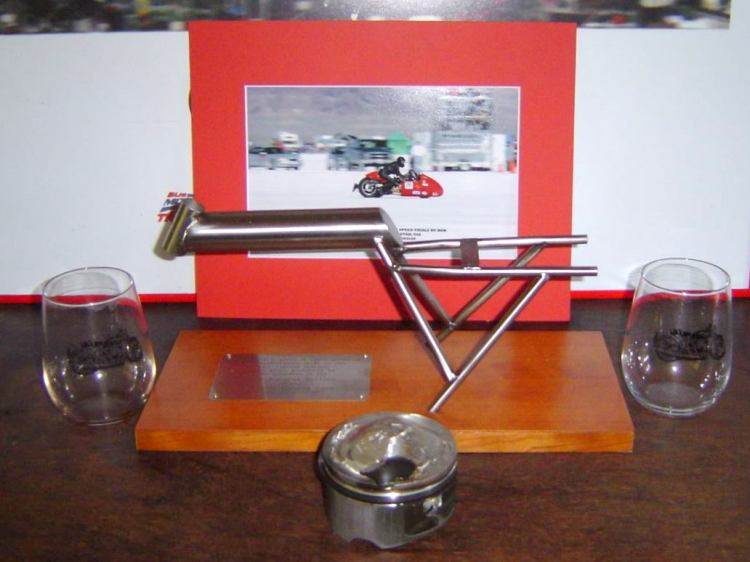 Terry Prince shared this picture of the scale model frame made by David Dunfey and presented to him at the north U.S rally some year ago in recognition of Terry's outstanding contribution and efforts to fulfill the vision of Fritz Egli. Fritz Egli also received one and so was Patrick Godet. The piston in front of it is from Terry's record bike when it broke a valve the same year!