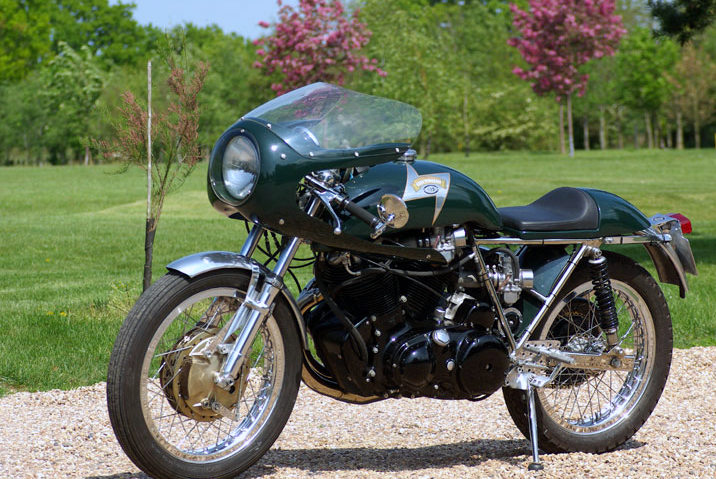 An Egli-Vincent Cafe Racer made by Godet, the most authentic way to get closer to the myth as the few original are as difficult to find than a 1937 Rapide Series A, and thus rather unaffordable.