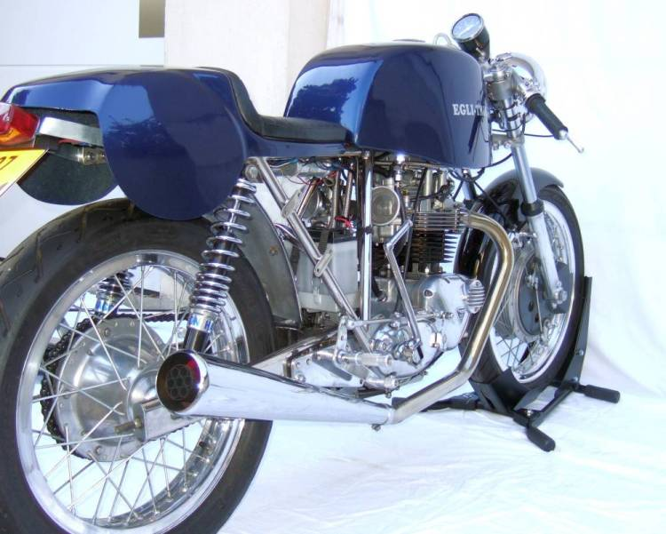 Here a rare Egli-Triumph 650 Bonneville 20 units 500cc and 20 units 650cc between 70-72