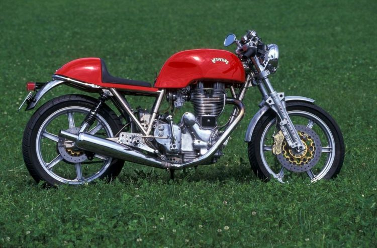 "Look at this Egli-Enfield, while she looks so ""cheap"" in her stock outfit, isn't she pretty here? 624 cc by the way No production figures available (prototype?)"