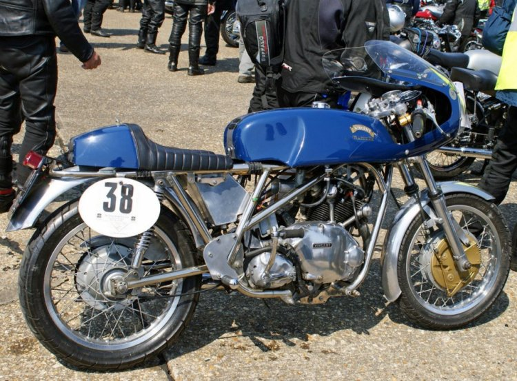 RICKMAN A quite rare Rickman Metisse with a Vincent Comet engine, the Rickman frame was more popular with Triumph Bonneville and 4 pots Japanese donors. The Comet fits pretty well in it but I guess that the twin Rapide would not.
