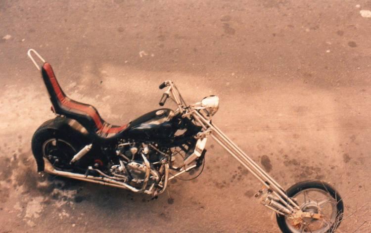 """As we have a good chunk of fans from Latin America, I provide the caption of this picture directly in Spanish: """"Alberto """"Chopper"""" Larroca, oriundo de Argentina, lleva construyendo choppers por todo el mundo desde los 17 años, BSA, Harley, HRD Vincent… son algunas de las bases que ha utilizado. Esta serie de fotos fue tomada por el """"Chopper"""" durante la reunión que organiza la revista japonesa Vibes Magazine en Ishikawa.  El """"Chopper"""" participo en la edición del 2007 en calidad de invitado por la revista."""""""