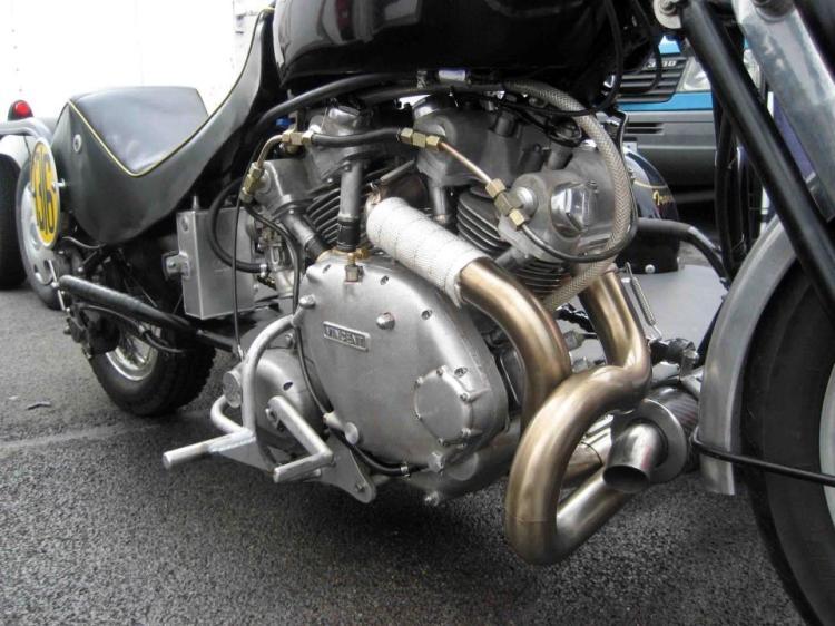 Tomo's 4v - shown at the VMCC 1000 Bikes