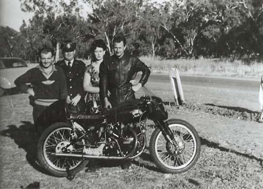 From Left to Right – Noel Bailey, Gunnedah Police Sergeant, Audrey and Jack Ehret and Lightning 1C/7305 © Franc Trento