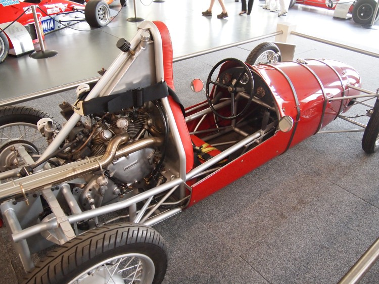 The Vincent engine ends up in racing cars too… this 1949 Hunt Special can be seen in the Adelaide Car Museum. It was originally fitted with a 500cc JAP engine.
