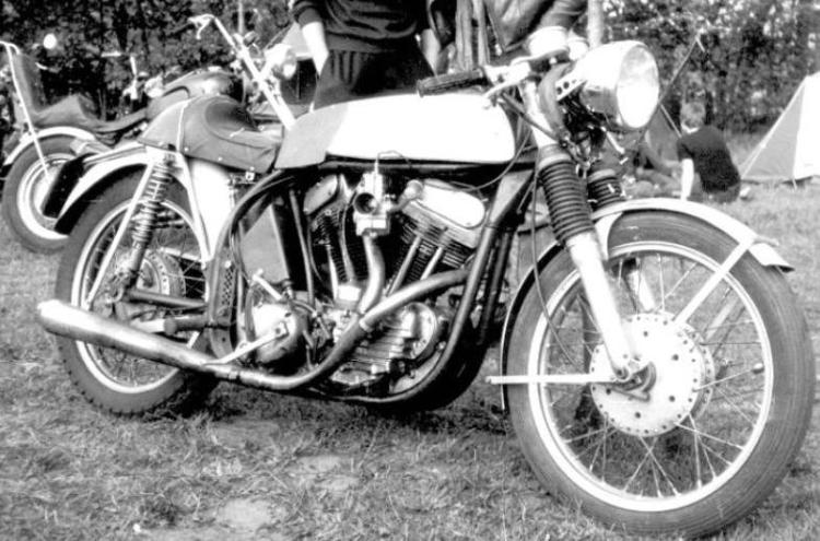 Another Café Racer based on the Norton Featherbed and the Harley Davidson 750 WLA on which Cees Fick has transplanted Matchless Cylinder heads.