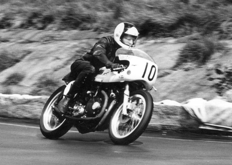Stuart Howe on his Curtis-Vincent in 1972. Stuart was a Vincent sidecar-racing specialist and did a lot of the engine preparation on his bike. Note the Dunstall front fork with built-in calipers.