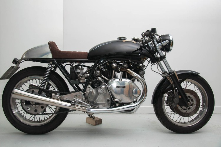 For sale on 4/11/2016 in France | 1979 Egli-Vincent replica Link: http://www.addict-motorcycle.com/motos-dexception/egli-vincent-cafe-racer-1979/ Asking price: £55,000 Comment: tidy machine which seems to be built from a Sprint Chassis (Smith Engineering) Contact: Fabien Giraud : +33 (0)6 11 07 17 30 - fabien@addict-motorcycle.com
