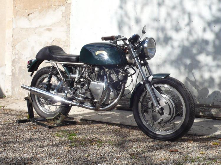 On 03/09/16 | Shadow 70 by SLATER VIN78 in Italy (eBay). The Shadow 70 was assembled in the UK by Roger Slater from 1970 to 1972 after the Egli-Vincent license was terminated. For more details call the vendor Contact : http://www.ebay.com/itm/351672069702?forcerRptr=true&item=351672069702&viewitem= Comment: note that the rear loop has been truncated