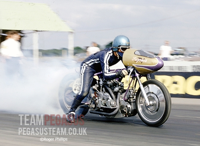 """Photographer Roger Phillips managed to capture Ian Ashwell in 1971 during Team Pegasus most successful year when they won both the BDR&HRA and NDRC championships.  Santa Pod Raceway, UK"". Information TeamPegasus and picture © Roger Phillips"