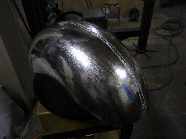 The two upper half are then welded together by the inside. Note the lip on the top that will be grinded in the next step.