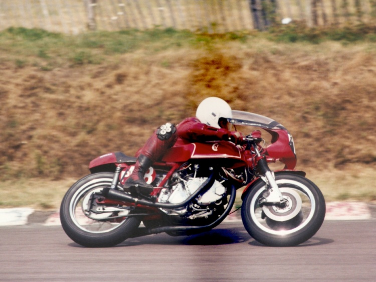 Barry Gooding at Lydden Hill Circuit – about 1997 Picture © Anne Callagher