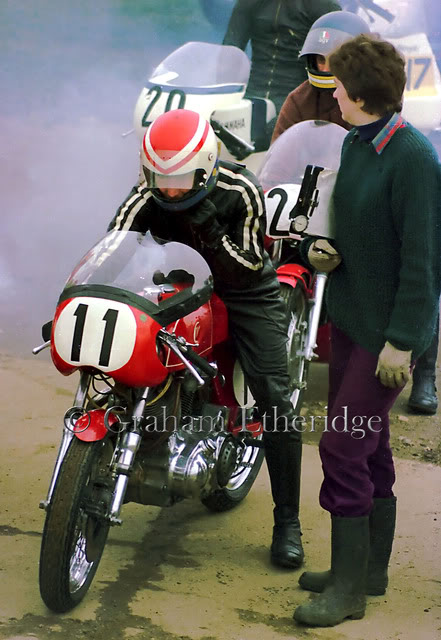 Lance and his wife Anne on the grid at Snetterton on Easter Monday 1975 Picture © Graham Etheridge