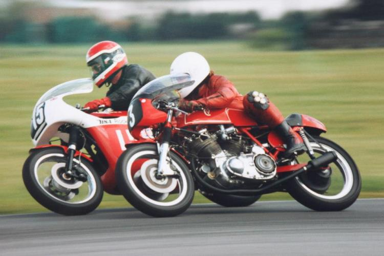 Clive Spencer (840cc Miles BSA) & Barry Gooding (1000cc Capon-Vincent | Mark VII)