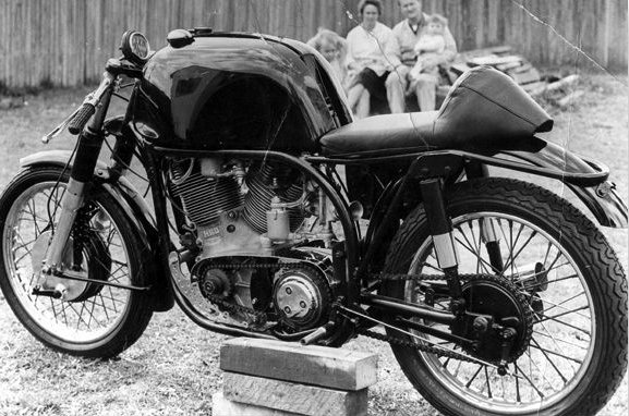 Mark I during its development in 1964. Keith Corish used a Norton International which was chosen over the Manx because more likely to handle better the 85 bhp of the upgraded engine. Picture © NorvinRacing.com