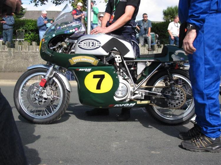 Cam Donald's Egli-Vincent is equipped for the 2016season with a twin front disk from Lockheed.
